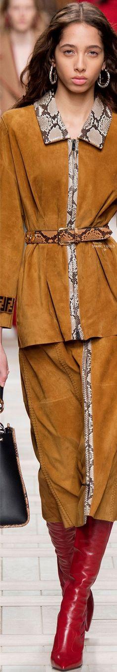 ( Images Via Vogue Italia ) To View the Complete Fendi Collectio. Fashion 2017, Runway Fashion, High Fashion, Winter Fashion, Fashion Show, Womens Fashion, Fashion Design, Fashion Trends, Milan Fashion