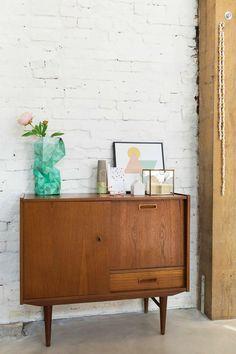 Vintage kastje | Vintage cabinet | Photographer Jansje Klazinga | Styling Emmy van Dantzig | Text Els Meyer | Bron: vtwonen 02-2016