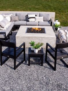 Tour this modern outdoor fire pit seating area with gorgeous Polywood outdoor furniture and neutral tones. Deck Fire Pit, Fire Pit Seating, Polywood Outdoor Furniture, Outdoor Furniture Sets, Modern Patio, Modern Outdoor Living, Outdoor Fire, Outdoor Rooms, Decks
