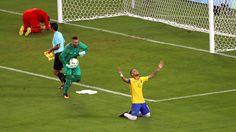 rio fussball gold - Zwei Jahre nach der 1:7-Demütigung bei der WM feierten 75 000 Fans in Rio den Janeiro nach einem dramatischen Endspiel leidenschaftlich den historischen Triumph. Nach 120 Minuten hatte es durch Tore von Superstar Neymar (27.), der auch den letzten Elfmeter versenkte, und Maximilian Meyer (59.) 1:1 gestanden.