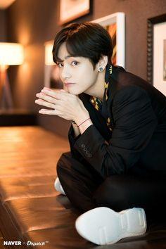 Kim Taehyung x Dispatch for Billboard Music Awards 2019 Bts Blackpink, Jimin, Bts Twt, Bts Bangtan Boy, V Taehyung, Daegu, Billboard Music Awards, Bts Billboard, Foto Bts