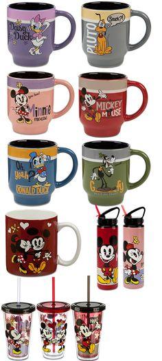 Disney Kitchen Cocina Mickey Mouse, Mickey Mouse Kitchen, Mickey Mouse Shorts, Mickey Minnie Mouse, Disney Home, Disney Dream, Winnie The Pooh Mug, Tigger Disney, Disney Kitchen Decor