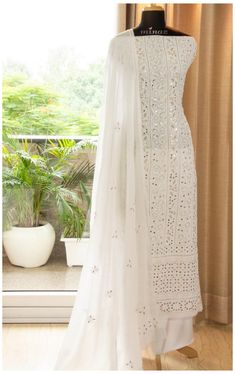 Indian Fashion Dresses, Indian Gowns Dresses, Dress Indian Style, Indian Designer Outfits, Pakistani Dress Design, Pakistani Outfits, Designer Anarkali Dresses, Indian Wedding Outfits, Indian Outfits