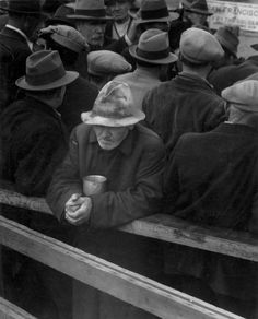 Dorothea Lange, White Angel Breadlineo (1932)