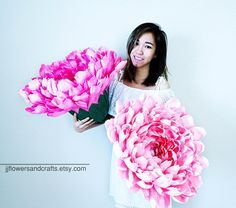 THIS IS LISTING FOR 1 GIANT PEONY WITHOUT STEM.  FOR PAPER COLOR CHART, PLEASE CONTACT ME.  If you would like to have stems along with flowers, please contact me for more information.  This product is made with carefullness and meticulosity. It would be perfect for single flower for brides, bridesmaid, wedding backdrop, wedding decoration, house decoration or any kind of decoration.  It is made of Premium Quality Crepe Paper with beautiful texture and a wide range of colors for you to…