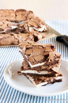 I brownies al cioccolato e ricotta sono gustosi quadrotti ottimi per la merenda!