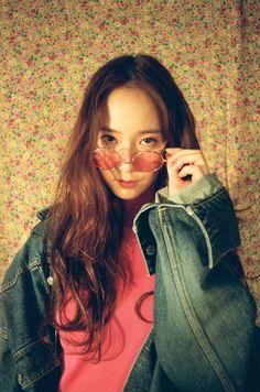 f(x), krystal, and krystal jung image Krystal Sulli, Krystal Fx, Jessica & Krystal, Jessica Jung, Kpop Girl Groups, Korean Girl Groups, Kpop Girls, Krystal Jung Fashion, Girl's Generation