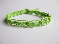 PATTERN Easy Thin Green Macrame Knotted Bracelet Tutorial. $3,75, via Etsy.