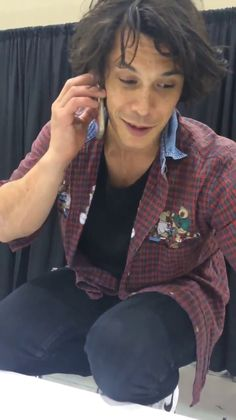 video of Bob Morley on the phone with a fan