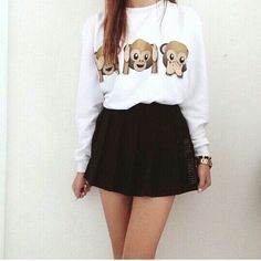 Oversized jumper with cute monkey emojis.