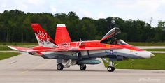 Airplane Fighter, Fighter Aircraft, Fighter Jets, Military Jets, Military Aircraft, Fixed Wing Aircraft, Raf Red Arrows, F-14 Tomcat, Aircraft Photos