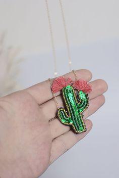 Collier cactus En Avril bijou cactée collier brodé graphique