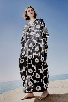 Jennae Quisenberry for Marimekko Kaftan Style, Boho Style Dresses, Boho Outfits, Fashion Dresses, Stylish Dress Book, Stylish Dresses, Marimekko Dress, Black And White Love, Crazy Outfits