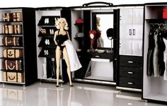 Loft Doll Storage Trunk and Play set, released in 2006 Barbie / Fashion Royalty Dressing Room Case