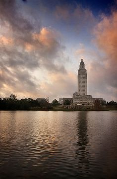 Just outside my doorstep...my ild doorstep that is... missing this view! Louisiana State Capitol / Baton Rouge