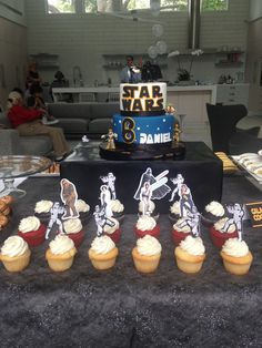 Star Wars dessert table; Cupcake toppers