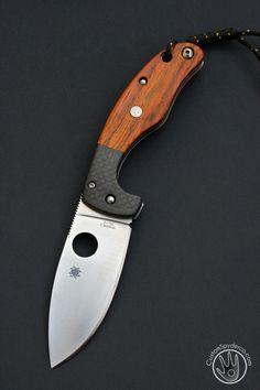 Spyderco knife, please Santa, I've been good Cool Knives, Knives And Tools, Knives And Swords, Spyderco Knives, Tactical Knives, Bushcraft Knives, Best Pocket Knife, Pocket Knives, Custom Knives