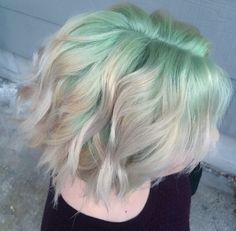 Pastel mint green shadow root