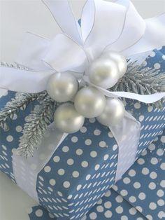 Design | Carolyne Roehm <3 Gift Wrapping Ideas