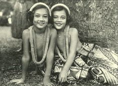 Great pictures of vintage Hawaii on this site Hawaiian People, Hawaiian Girls, Hawaiian Art, Vintage Hawaiian, Aloha Vintage, Hawaii Hula, Honolulu Hawaii, Aloha Hawaii, Ohana