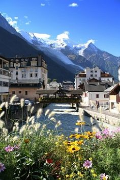 chamonix, mont blanc, alps, france- was here too! Could see Mont Blanc from Grenoble where I lived! Places Around The World, Oh The Places You'll Go, Places To Travel, Travel Destinations, Places To Visit, Wonderful Places, Beautiful Places, Chamonix Mont Blanc, Belle France