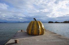 Yayoi Kusama, Jackson Pollock y otros, están en la nueva meca del arte, la isla que logra que los sueños de los amantes del arte se conviertan realidad.