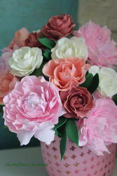Корзина с пионами и розами из фоамирана