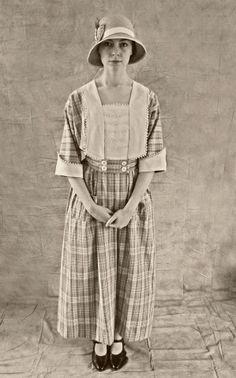 1916-18 Ladies slipover, kimono-style house dress made from original Butterick pattern 2443. Photo John Bennett, model Bryony Roberts.