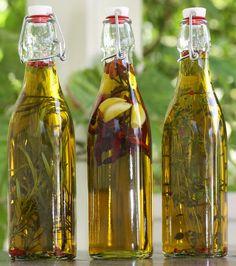 Itse tehty mauste- tai yrttiöljy. Preserves, Medieval, Table Settings, Bottle, Gifts, Zero Waste, Dressings, Sauces, Veggies