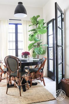 Old World Charm in LA by Candace Soriano,  Homepolish Los Angeles https://www.homepolish.com/mag/old-world-charm-in-la