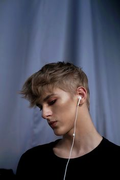 Future fan page of model Dominik Sadoch Male Model Face, Male Face, Male Models, The Secret History, Face Claims, Im In Love, Pretty People, Character Inspiration, Hair Cuts