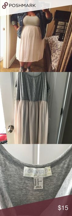 Flowy dress Cute airy dress. Perfectly paired with sandals. Forever 21 Dresses Midi