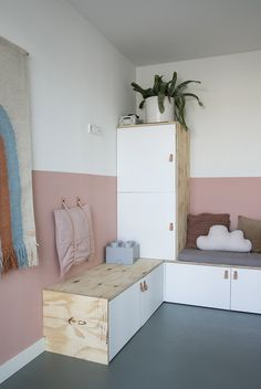 Baby Bedroom, Girls Bedroom, Ikea Hack Bench, Chill Room, Baby Room Design, Shared Bedrooms, Kids Corner, Kids House, Home And Living