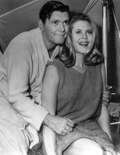 Elizabeth Montgomery and Dick York.