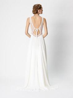 Robe de mariée bohème Dentelle chic Décolleté dans le dos