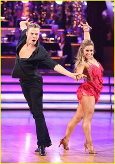 shawn johnson derek hough insta dance cha cha cha - I love watching Derek, he's an amazingly talented dancer