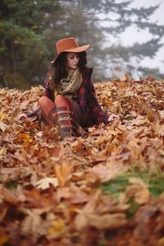 autumn love the hat Autumn Photography, Senior Photography, Portrait Photography, Photography Backdrops, Aerial Photography, Product Photography, Photography Tips, Fall Pictures, Fall Photos