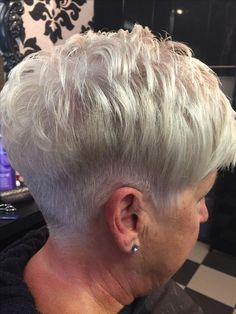 A textured finish wearable for gorgeous girls of all ages. A textured finish wearable for gorgeous girls of all ages. Super Short Hair, Short Grey Hair, Short Hair With Layers, Undercut Long Hair, Haircut For Thick Hair, Mom Hairstyles, Hairstyles Videos, Short Hair Older Women, Curly Hair Styles
