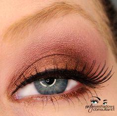 MAC eyeshadows used: Antiqued (on lid, below crease), Star Violet (crease),  Vanilla (blend)