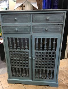 Aubusson chalk paint™ by Annie Sloan with a graphite wash.ideal for a bar.great for storage. Bathroom Cupboards, Annie Sloan, Graphite, Buffet, Bar, Storage, Vintage, Furniture, Home Decor