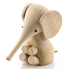 Der niedliche Baby-Elefant wurde 1961 von Gunnar Flørning & Harry Vedøe designt und nun von der dänischen Designschmiede Lucie Kaas neu zum Leben erweckt.