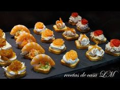 Canapés Variados Fáciles y Rápidos.- 5 tipos de Canapes - YouTube Finger Food Appetizers, Appetizers For Party, Appetizer Recipes, Party Entrees, Catering, Sushi, Food And Drink, Favorite Recipes, Snacks