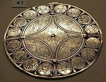 Broche Fuller - 1e représentation connue des 5 sens, 9e siècle