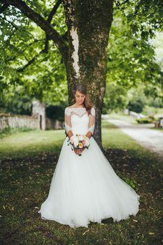 Mariage Iris & Edouard - Beautiful bride, French wedding. By destination wedding photographers http://lifestorieswedding.com/