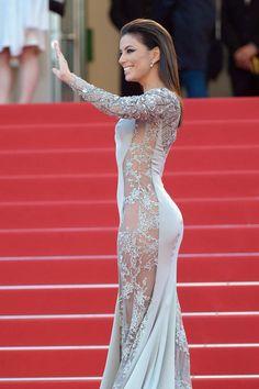 Avec une robe portée à même la peau