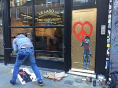#graffiti#tattoo#tattooporn#art#streetart#london#city#door#doors#doorporn#oesh#visitlondon#market#spitalsfield#piece#tag#uk#england#brexit#gold