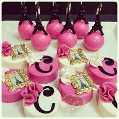 isagenix mug cake Oreo Treats, Oreo Cookies, Cake Pops, Bolo Paris, Cupcake Cakes, Mini Cakes, Chocolate Dipped Oreos, Oreo Pops, Paris Party