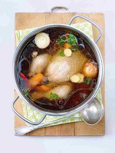 Asiatische Hühnersuppe im Topf  Rezept