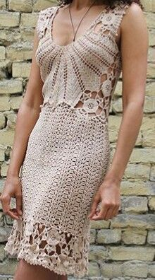Crochet Dresses Ideas- Ideias de vestidos de crochê Crochet Dress Ideas – Arteirices e Costurices - Wedding Dress Rose, Crochet Wedding Dresses, Crochet Dresses, Irish Crochet, Crochet Lace, Dress Patterns, Crochet Patterns, Crochet Ideas, Knitting Patterns