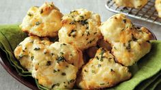 Enjoy these herb flavored biscuits made using Bisquick Heart Smart® mix – a cheesy bread recipe.